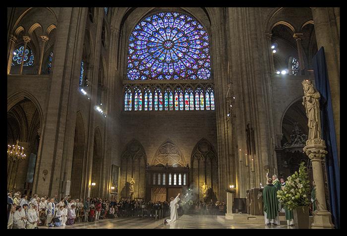 Notre Dame incense 1360373 BLOG