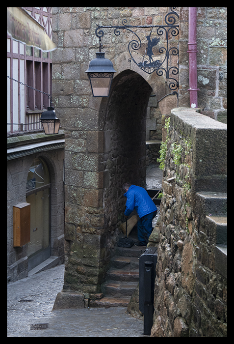 Cleaning up Mont St Michel 1500036 BLOG