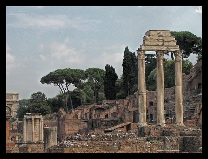 Rome forum columns and temple CC BLOG