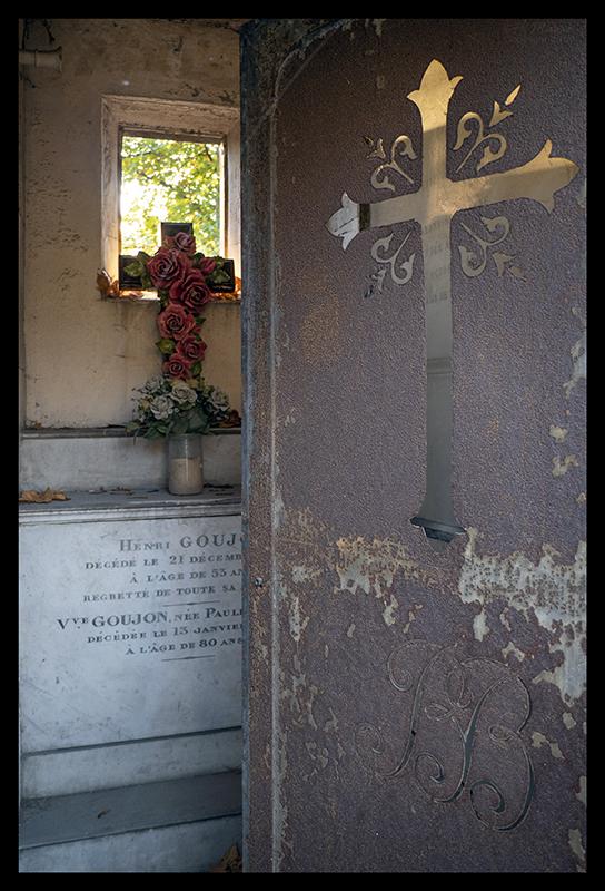 Tomb Père Lachaise 1230198 BLOG