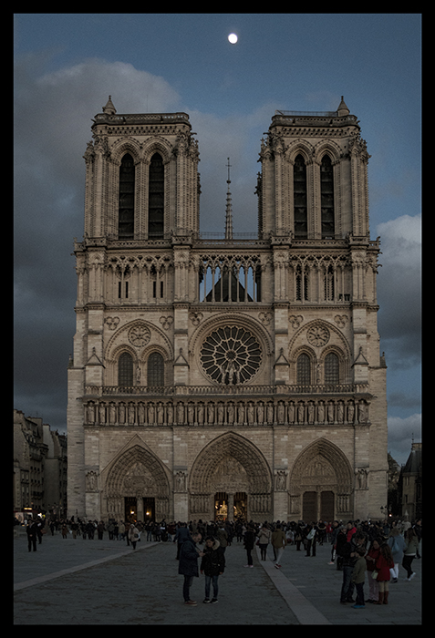 Notre Dame and moon 1250489 CC CL BLOG